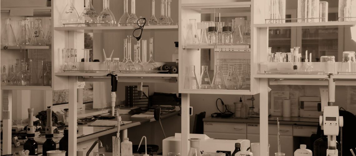 3-Safe-Chemical-Storage-Tips-for-Your-Chemical-Engineering-Lab.jpg